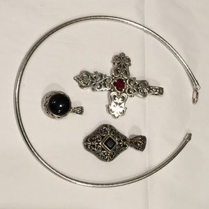 Jewelry - Silver omega with 3 different pendants